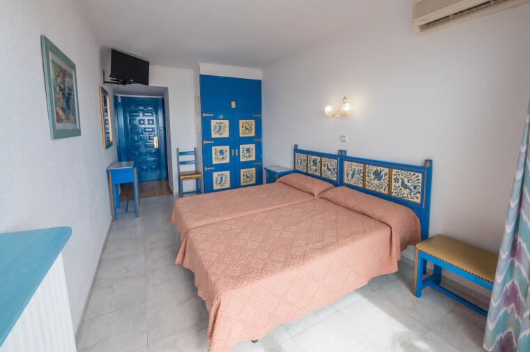 3 Sterne  Hotel Checkin Garbi in Calella - Ansicht 1