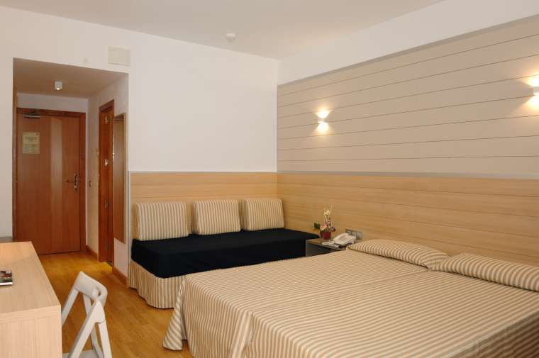 4 Sterne  Hotel ABI-CLUB Flamingo in Lloret de Mar - Ansicht 1