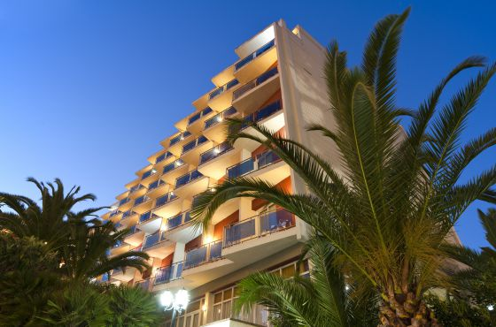 4 Sterne  partyurlaub Don Juan Resort in Lloret de Mar