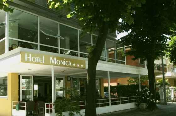 3 Sterne  partyurlaub Monica in Rimini